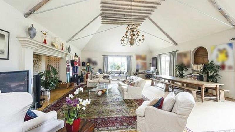Interior-Rumah-John-Terry